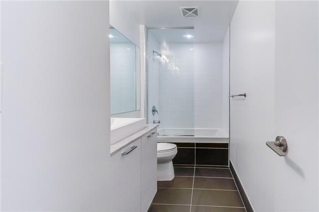 Condo Apartment at 399 Adelaide St W, Unit 214, Toronto, Ontario. Image 10