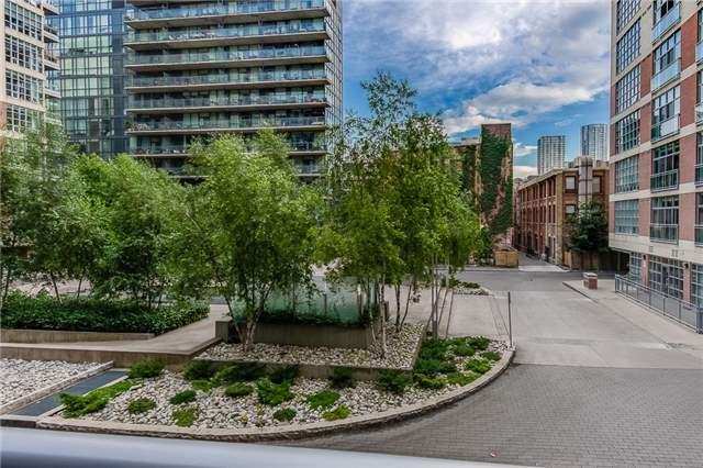 Condo Apartment at 399 Adelaide St W, Unit 214, Toronto, Ontario. Image 2