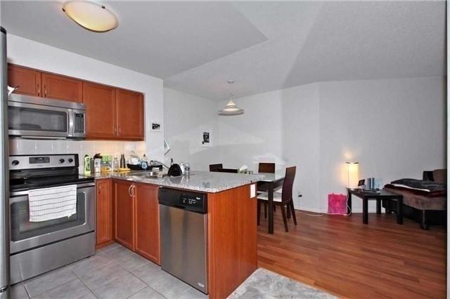 Condo Apartment at 19 Grand Trunk Cres, Unit 801, Toronto, Ontario. Image 4