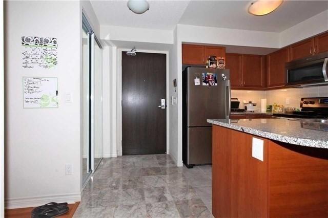 Condo Apartment at 19 Grand Trunk Cres, Unit 801, Toronto, Ontario. Image 9