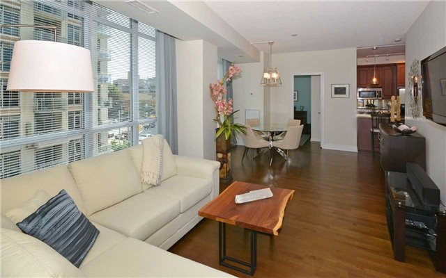 Condo Apartment at 628 Fleet St, Unit 424, Toronto, Ontario. Image 14