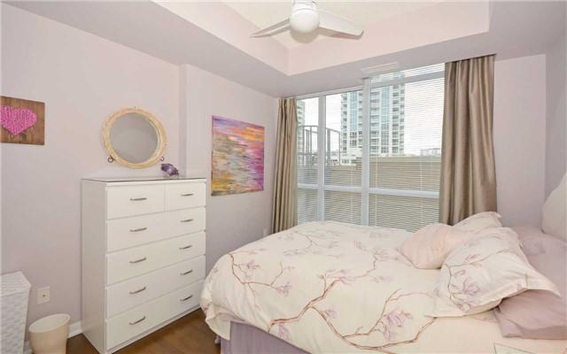 Condo Apartment at 628 Fleet St, Unit 424, Toronto, Ontario. Image 16