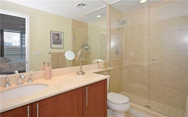 Condo Apartment at 628 Fleet St, Unit 424, Toronto, Ontario. Image 17