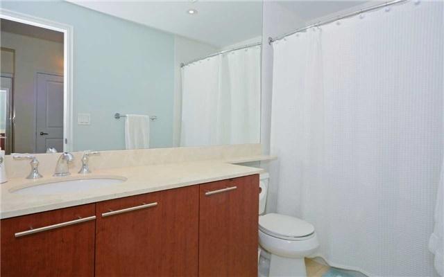 Condo Apartment at 628 Fleet St, Unit 424, Toronto, Ontario. Image 19