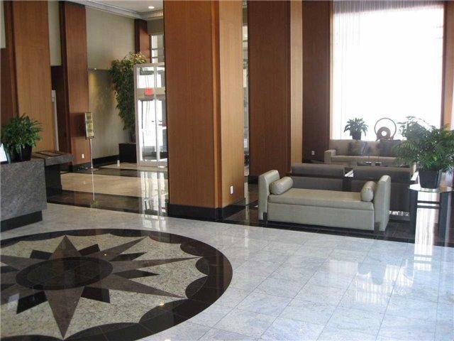 Condo Apartment at 628 Fleet St, Unit 424, Toronto, Ontario. Image 6