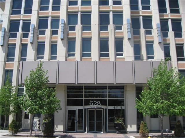 Condo Apartment at 628 Fleet St, Unit 424, Toronto, Ontario. Image 7