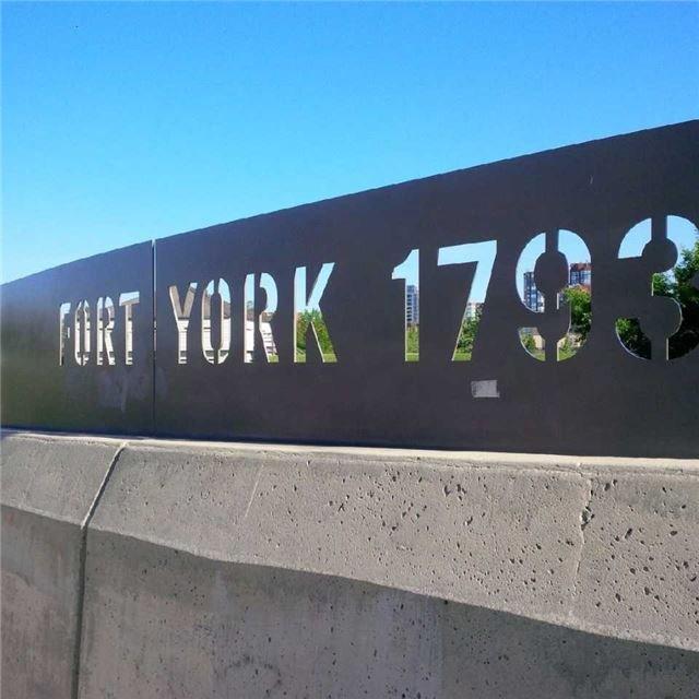 Condo Apartment at 628 Fleet St, Unit 424, Toronto, Ontario. Image 10