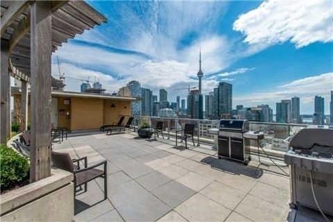 Condo Apartment at 438 Richmond St W, Unit 907, Toronto, Ontario. Image 4