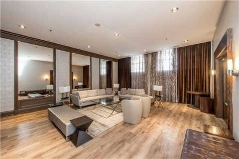 Condo Apartment at 438 Richmond St W, Unit 907, Toronto, Ontario. Image 6