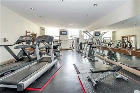 Condo Apartment at 438 Richmond St W, Unit 907, Toronto, Ontario. Image 7