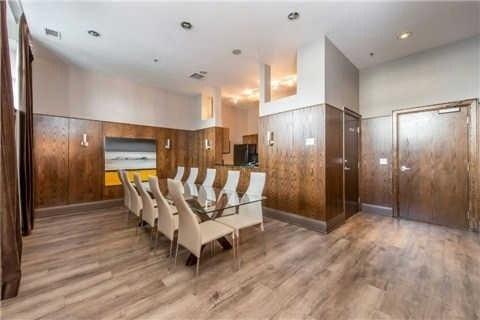Condo Apartment at 438 Richmond St W, Unit 907, Toronto, Ontario. Image 8