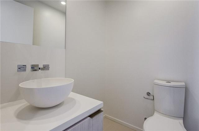 Condo Apartment at 1 Bloor St E, Unit 4506, Toronto, Ontario. Image 14