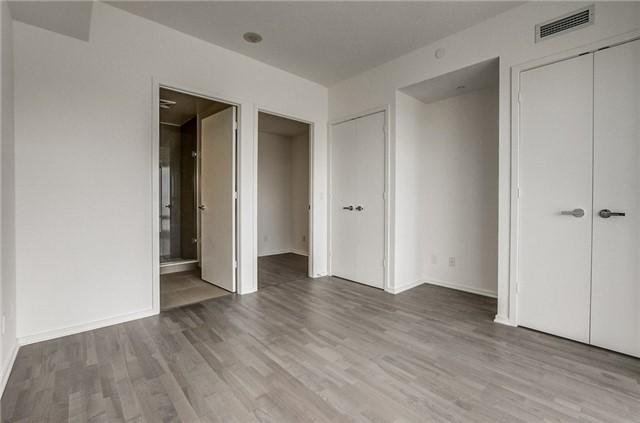 Condo Apartment at 1 Bloor St E, Unit 4506, Toronto, Ontario. Image 17