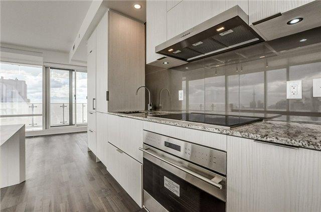 Condo Apartment at 1 Bloor St E, Unit 4506, Toronto, Ontario. Image 4