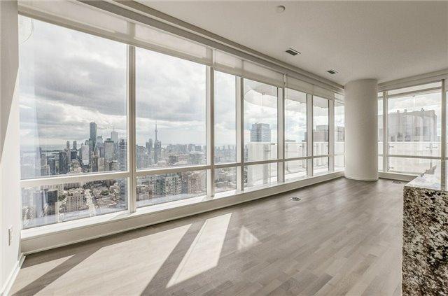 Condo Apartment at 1 Bloor St E, Unit 4506, Toronto, Ontario. Image 5