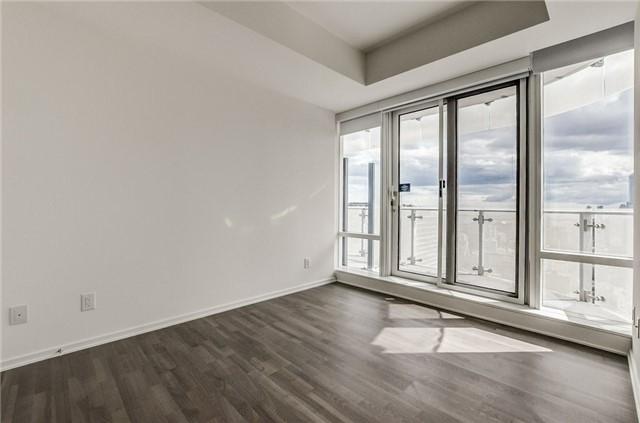 Condo Apartment at 1 Bloor St E, Unit 4506, Toronto, Ontario. Image 6
