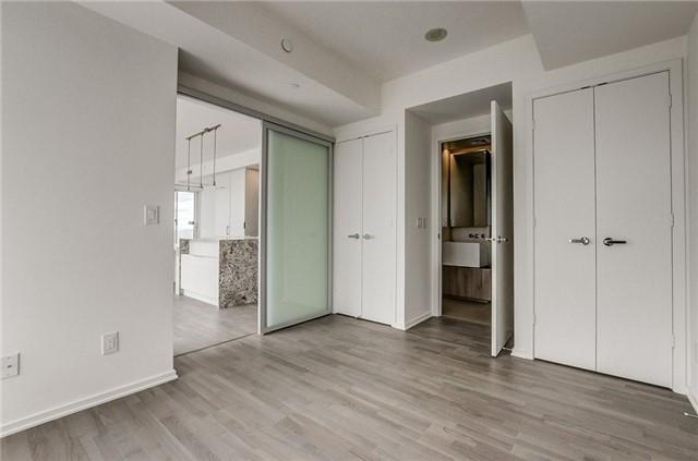 Condo Apartment at 1 Bloor St E, Unit 4506, Toronto, Ontario. Image 7