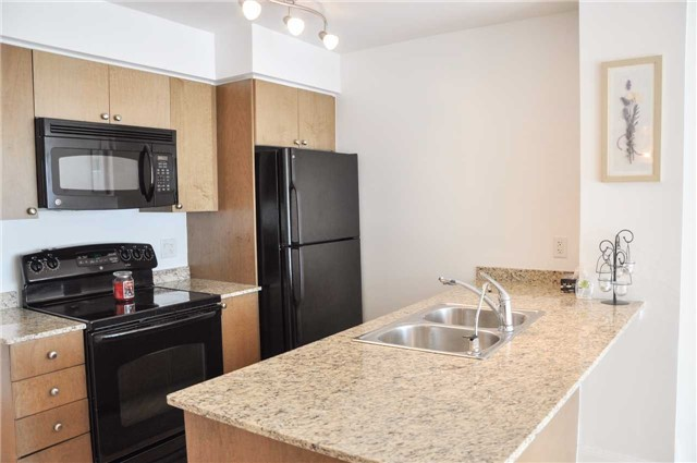 Condo Apartment at 2191 Yonge St, Unit 1207, Toronto, Ontario. Image 7