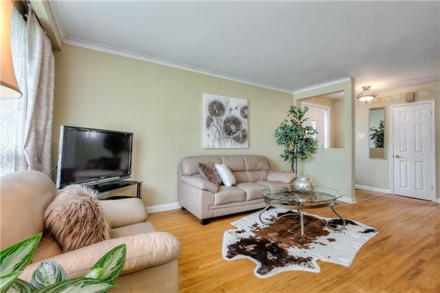 Detached at 109 Goulding Ave, Toronto, Ontario. Image 15