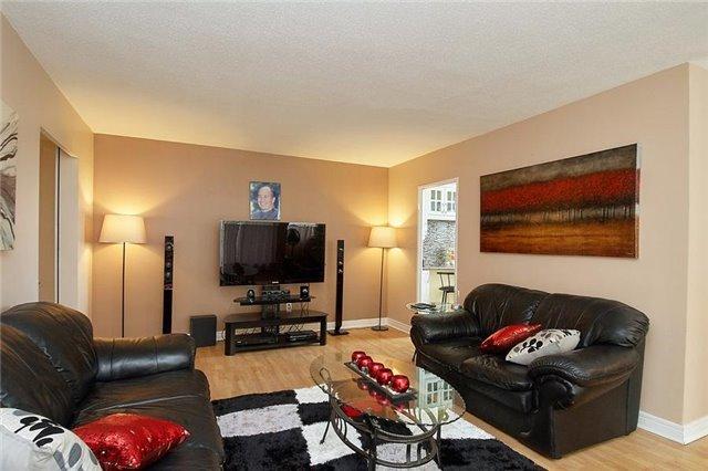 Condo Apartment at 5 Vicora Linkway Way, Unit 1103, Toronto, Ontario. Image 9