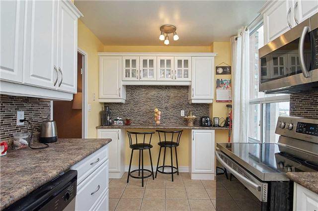 Condo Apartment at 5 Vicora Linkway Way, Unit 1103, Toronto, Ontario. Image 12