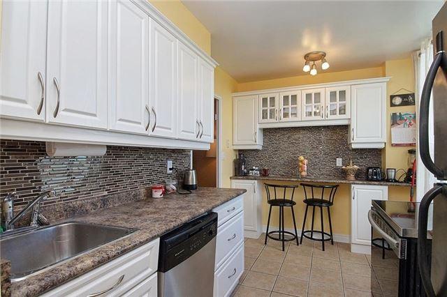 Condo Apartment at 5 Vicora Linkway Way, Unit 1103, Toronto, Ontario. Image 13