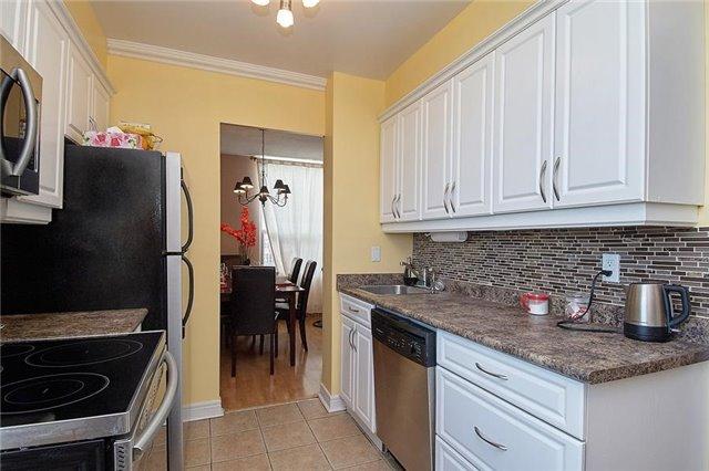 Condo Apartment at 5 Vicora Linkway Way, Unit 1103, Toronto, Ontario. Image 14