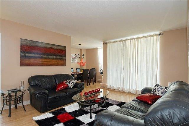 Condo Apartment at 5 Vicora Linkway Way, Unit 1103, Toronto, Ontario. Image 15