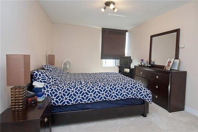 Condo Apartment at 5 Vicora Linkway Way, Unit 1103, Toronto, Ontario. Image 2