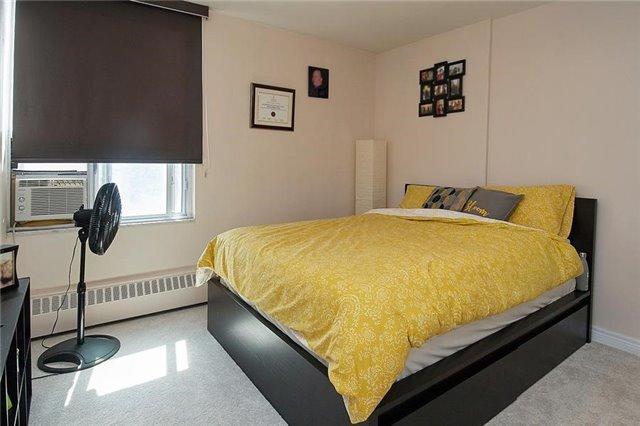 Condo Apartment at 5 Vicora Linkway Way, Unit 1103, Toronto, Ontario. Image 4