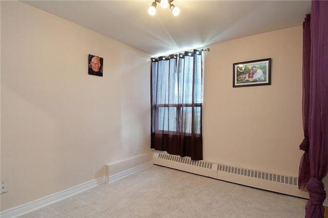 Condo Apartment at 5 Vicora Linkway Way, Unit 1103, Toronto, Ontario. Image 5