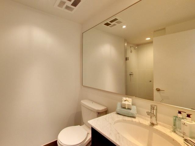 Condo Apartment at 170 Fort York Blvd, Unit 2705, Toronto, Ontario. Image 7