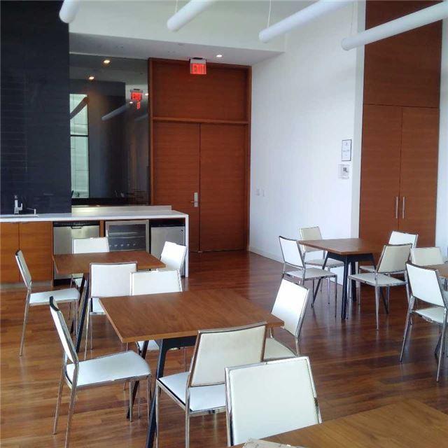 Condo Apartment at 170 Fort York Blvd, Unit 2705, Toronto, Ontario. Image 2