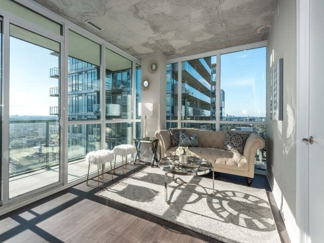Condo Apartment at 88 Blue Jays Way, Unit 3109, Toronto, Ontario. Image 2