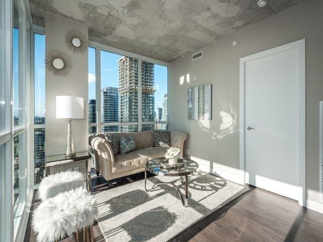Condo Apartment at 88 Blue Jays Way, Unit 3109, Toronto, Ontario. Image 3