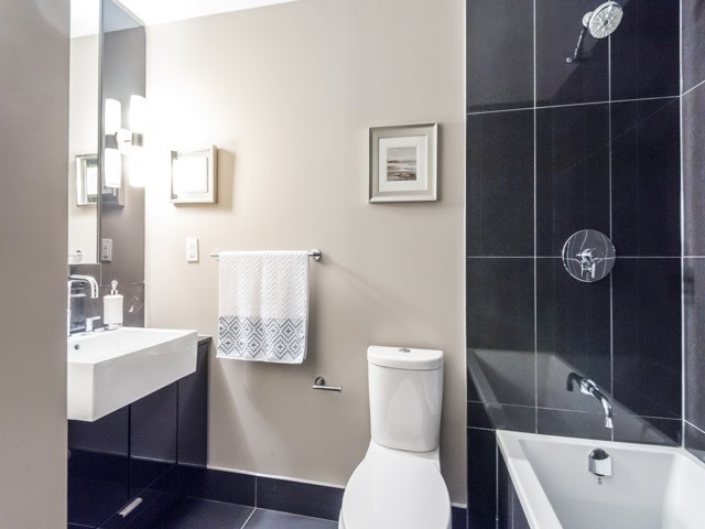 Condo Apartment at 88 Blue Jays Way, Unit 3109, Toronto, Ontario. Image 10