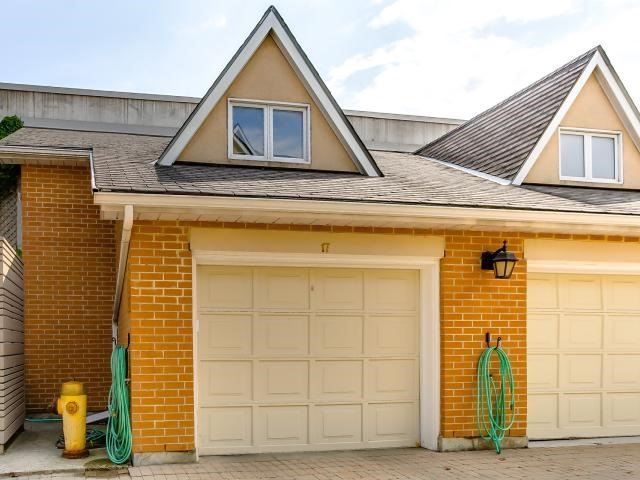 Condo Townhouse at 53 Shaftesbury Ave, Toronto, Ontario. Image 13