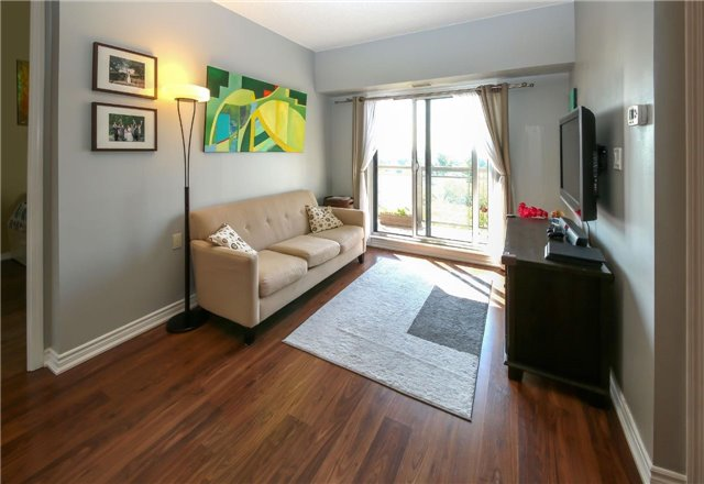 Condo Apartment at 872 Sheppard Ave W, Unit 708, Toronto, Ontario. Image 6