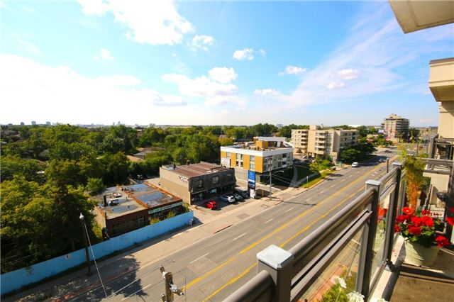Condo Apartment at 872 Sheppard Ave W, Unit 708, Toronto, Ontario. Image 2