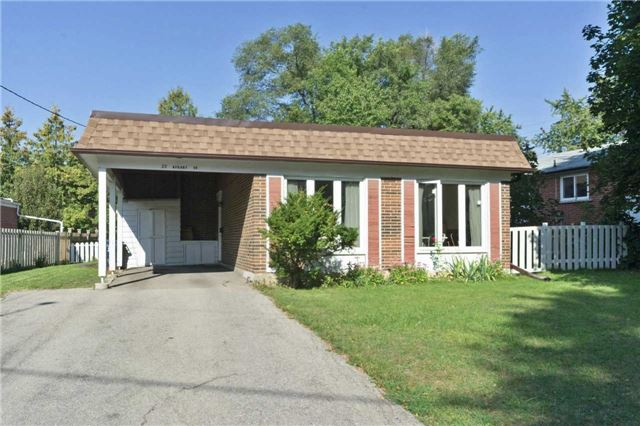 Detached at 22 Hobart Dr, Toronto, Ontario. Image 12