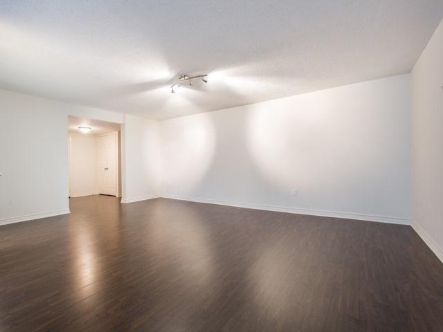 Condo Apartment at 360 Bloor St E, Unit 1009, Toronto, Ontario. Image 14