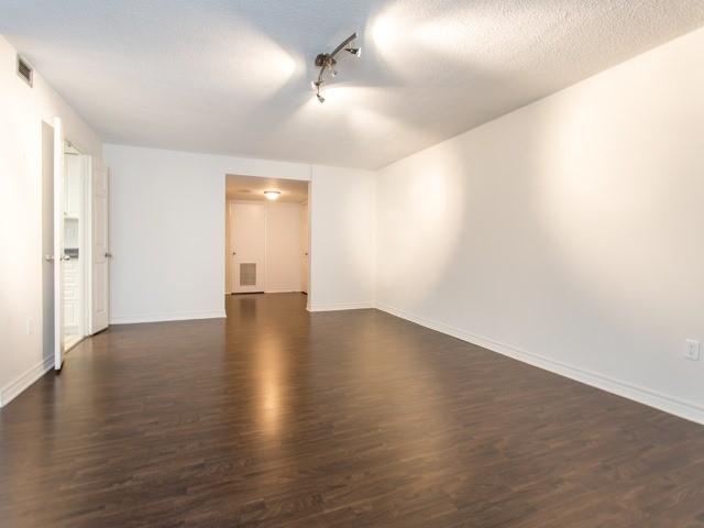 Condo Apartment at 360 Bloor St E, Unit 1009, Toronto, Ontario. Image 16