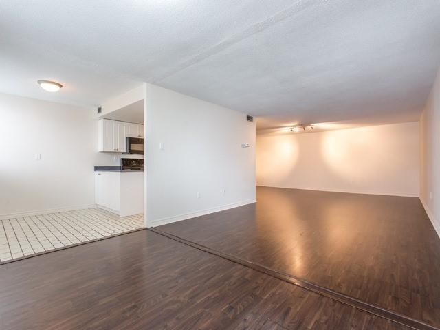 Condo Apartment at 360 Bloor St E, Unit 1009, Toronto, Ontario. Image 19