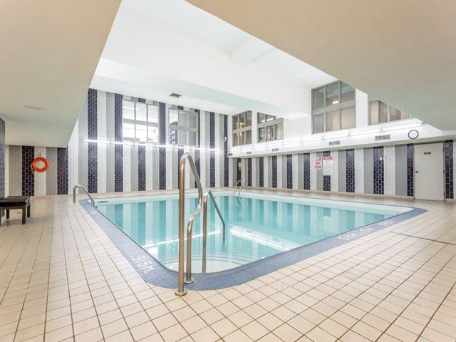 Condo Apartment at 360 Bloor St E, Unit 1009, Toronto, Ontario. Image 9