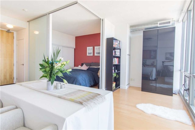 Condo Apartment at 33 Mill St, Unit 2308, Toronto, Ontario. Image 3