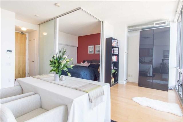 Condo Apartment at 33 Mill St, Unit 2308, Toronto, Ontario. Image 8