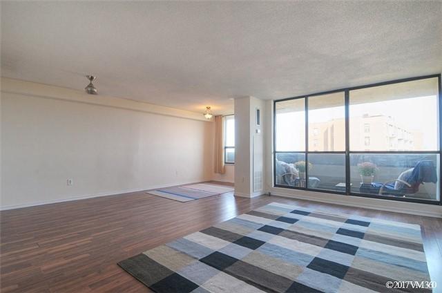 Condo Apartment at 100 Canyon Ave, Unit 1007, Toronto, Ontario. Image 14