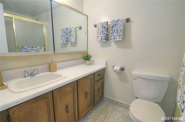 Condo Apartment at 100 Canyon Ave, Unit 1007, Toronto, Ontario. Image 8