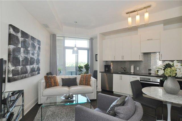 Condo Apartment at 23 Glebe Rd W, Unit 819, Toronto, Ontario. Image 10