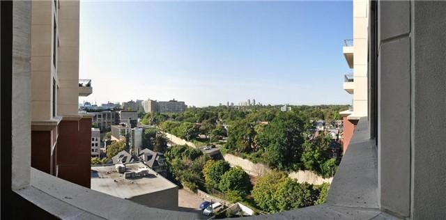 Condo Apartment at 23 Glebe Rd W, Unit 819, Toronto, Ontario. Image 3